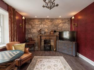 A seating area at Canongate Luxury Homestay