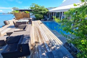 A piscina localizada em Villa Vahinetua ou nos arredores