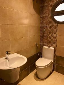 Um banheiro em شقة مستقلة في فيلا سكنية