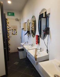 Ein Badezimmer in der Unterkunft Vintage Inn Boutique Capsule @ Little India