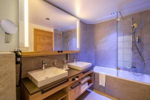 A bathroom at Resort La Ginabelle
