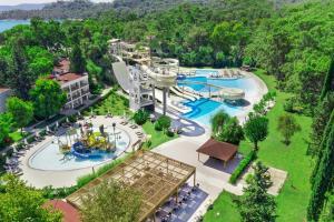 Uitzicht op het zwembad bij Sherwood Exclusive Kemer - Kids Concept of in de buurt