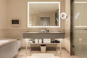 A bathroom at Waldorf Astoria Amsterdam