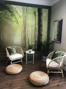 A seating area at Burnham Beeches Hotel
