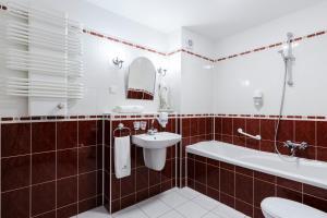 A bathroom at Interferie Sport Hotel Bornit