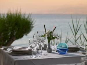 A restaurant or other place to eat at Creta Maris Beach Resort