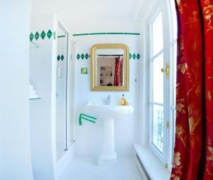 A bathroom at Chateau de la Marjolaine