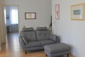 A seating area at Fontana del Trianon Apartment