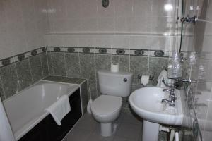 A bathroom at The Angel View Hotel