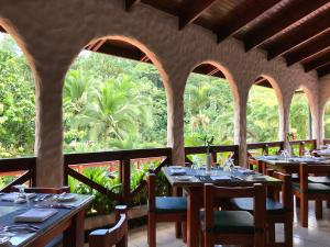A restaurant or other place to eat at Tabacón Thermal Resort & Spa
