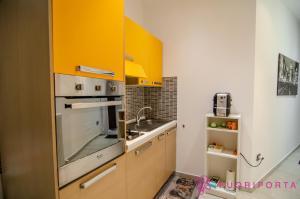 A kitchen or kitchenette at Residenza Margherita