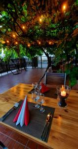 A restaurant or other place to eat at Hotel Crisana Arad