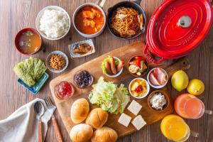Breakfast options available to guests at HOTEL MYSTAYS Ochanomizu Conference Center