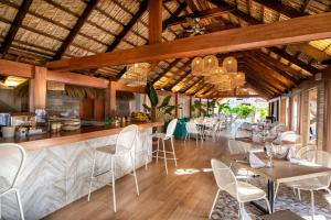 A restaurant or other place to eat at Viva Wyndham Dominicus Beach - All-Inclusive Resort