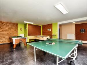 Table tennis facilities at Beautiful Home in Amel with Sauna or nearby