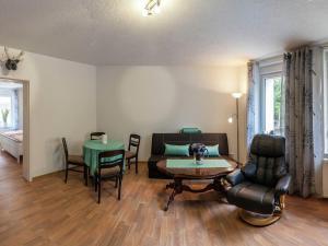 Ein Sitzbereich in der Unterkunft Classy Holiday Home in Thale with Terrace