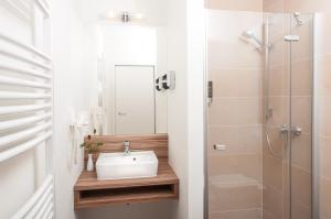 A bathroom at Gasthaus Alte Münze