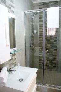 A bathroom at At Doms B&B
