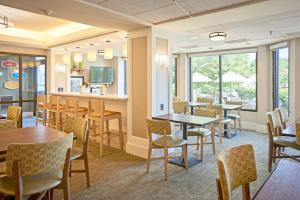 A restaurant or other place to eat at Hampton Inn Lancaster