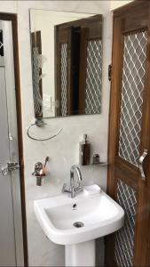 A bathroom at SHANTI NIWAS