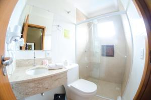 A bathroom at Villarejo Parque Hotel