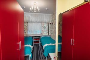 Двухъярусная кровать или двухъярусные кровати в номере Отель 3 Гнома