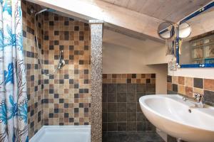 A bathroom at Studio Azzurro r