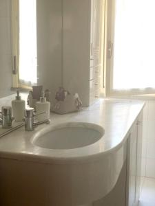 A bathroom at Apartment with one bedroom in Terni with wonderful city view