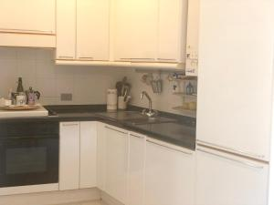 A kitchen or kitchenette at Apartment with one bedroom in Terni with wonderful city view