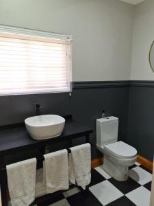 A bathroom at Uitsig Boutique Hotel