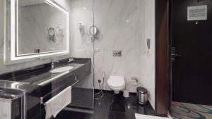 Um banheiro em Swiss EYE