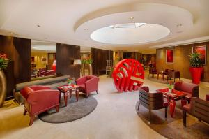 The lounge or bar area at NH Collection Roma Giustiniano