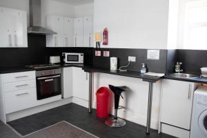 A kitchen or kitchenette at Bursar Street 21