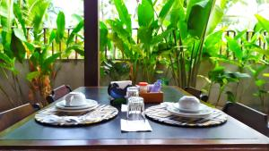 A restaurant or other place to eat at Serrazul Praia Hotel