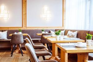 A restaurant or other place to eat at Landgasthof Hotel Gentner