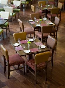 A restaurant or other place to eat at Jurys Inn Aberdeen