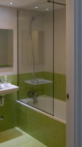 A bathroom at ALOJAMIENTO RURAL SUSEiA