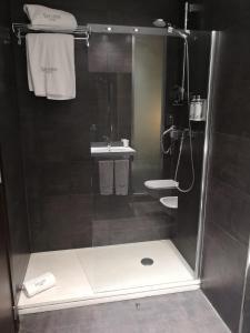 A bathroom at Sercotel Coliseo