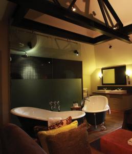 A bathroom at Hotel Du Vin & Bistro York