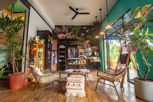 El vestíbulo o zona de recepción de Selina Bocas del Toro