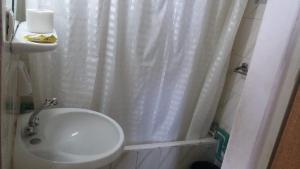 A bathroom at Semiramis Hotel Alexandria