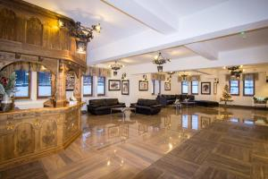 The lobby or reception area at ApartHotel Tatry de Luxe FizjoMedical & Spa