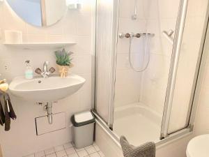 Ein Badezimmer in der Unterkunft Hotel & Hostel Albstadt