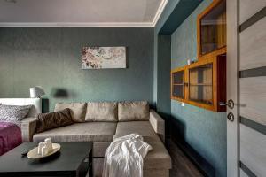 A seating area at Апартаменты на Воробьевых горах, возле Лужников