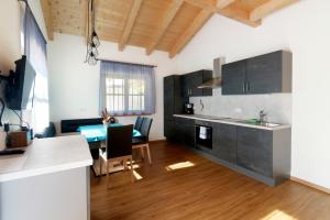 Küche/Küchenzeile in der Unterkunft Nestlhof