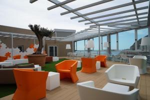 De lounge of bar bij Riviera Vista