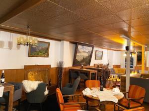 A restaurant or other place to eat at Le Vieux Hotel du Glacier et Poste