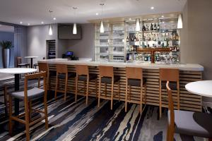 The lounge or bar area at Fairfield Inn & Suites by Marriott Montreal Airport