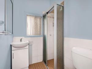 A bathroom at Hutton Hide away
