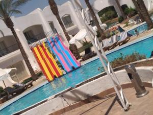 Het zwembad bij of vlak bij Luna Sharm Hotel